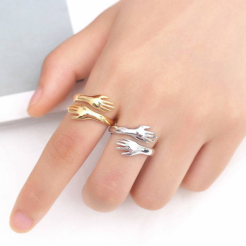 Creative Couples Engagement Opening Ring Trendy Simple Embrace Anillos Sweet Hug